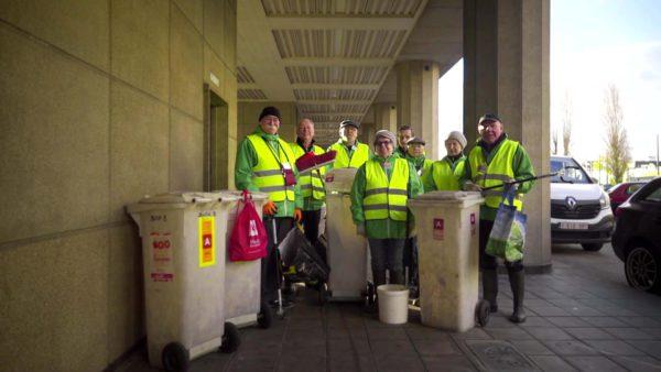 Straatvrijwilligers ruimen zwerfvuil op in Stad Antwerpen