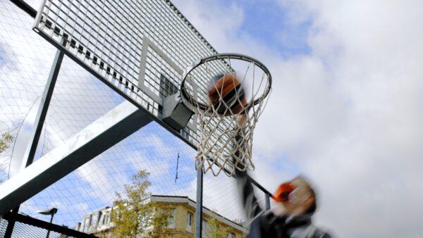 Basketpleintjes Antwerpen met Antwerp Giants Vrenz Bleijenbergh, Dennis Donkor en Vincent Kesteloot